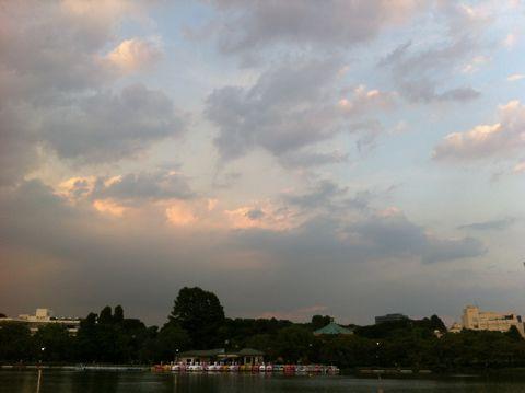 秋 雲 秋の空 画像 秋の雲 2014年 秋の空 雲 秋の空 画像 秋の空 英語 秋の空 高い 秋 落葉 公園 犬とさんぽ 秋の雲の種類 秋の雲 画像 秋の雲 名前 2.jpg
