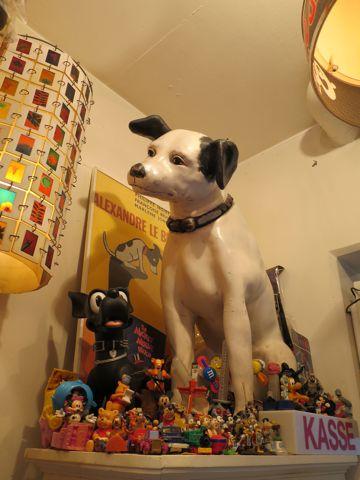 ニッパービクター犬店頭ディスプレイ店看板レアKFCケンタッキーライト店舗ディスプレイSTAR WARSスターウォーズフィギュアゴーストバスターズETスヌーピーUSTOY1.jpg