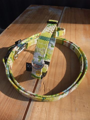 カラーリードハーネス犬用首輪ドッググッズ都内フントヒュッテオリジナルグッズ東京ヴィンテージファブリックビンテージ生地緑の生地Green, Green 2.jpg