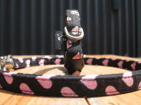 フントヒュッテオリジナル首輪カラーリードリーシュハーネス文京区hundehutte東京かわいい犬の首輪ビンテージファブリック生地柄ハート Heart Collar Leash Harness_2.jpg