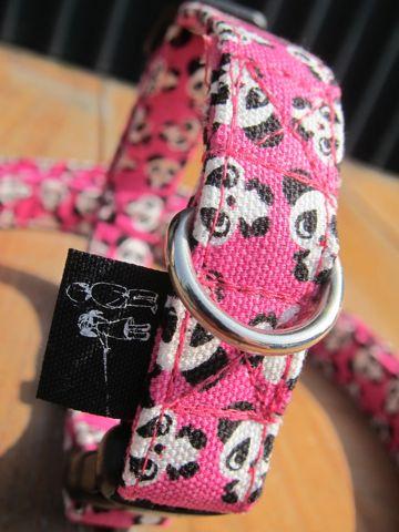 フントヒュッテオリジナル首輪カラーリードリーシュハーネス文京区hundehutte東京かわいい犬の首輪ビンテージファブリック生地柄パンダ生地 Panda Collar Leash Harness_3.jpg