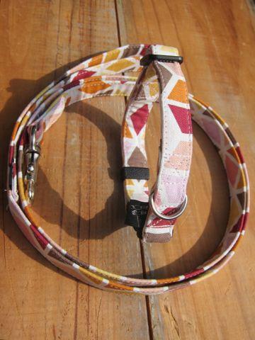 フントヒュッテオリジナル首輪カラーリードリーシュハーネス文京区hundehutte東京かわいい犬の首輪ビンテージファブリック生地幾何学模様 a geometric pattern Collar Leash Harness_2.jpg