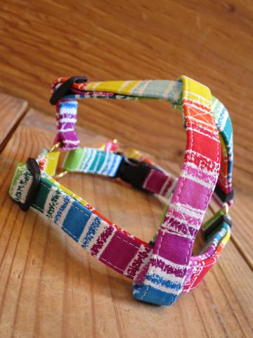フントヒュッテオリジナル首輪カラーリードリーシュハーネス文京区かわいい首輪東京ビンテージファブリック生地くれよん柄虹レインボー crayon rainbow Collar Leash Harness_f.jpg