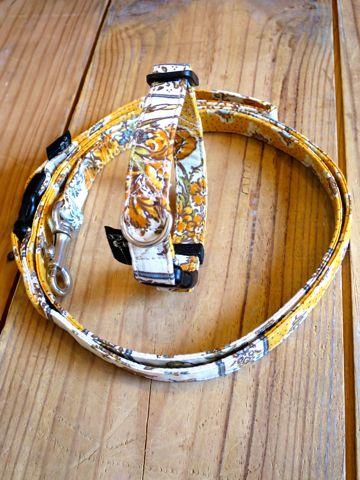 フントヒュッテオリジナル首輪カラーリードリーシュハーネス文京区かわいい犬の首輪東京ヴィンテージ生地ファブリックリバティプリント黄色 jaune Collar Leash Harness_2.jpg