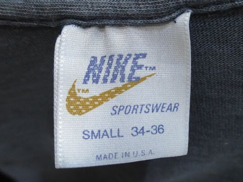 NIKE オレンジタグ TM表記 後期型 1978〜1980年頃のタグ 70s 80s ビンテージTシャツ ナイキ 画像 スウォッシュプリント ロゴT ネイビー 希少 Sサイズ 2.jpg