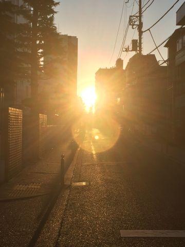 Sunset サンセット 画像 写真 光 日没 日の入 日の入り 日暮れ 暮れ イメージ 夕焼け 夕焼 入相 入り相 暮れ方 暮方 暮れ 暮 日ぐれ 日暮 晩照 4.jpg