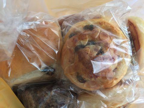 Baking Lab おいしいパン屋さん 文京区 白山 隠れ家パン屋さん 天然酵母 オーガニック 有機 金曜土曜の二日のみの営業 天然酵母を使ったパン屋さん 限定営業 13.jpg