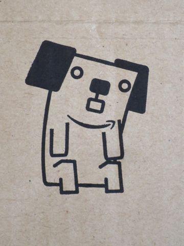 Amazon 15周年 アマゾン 箱 段ボール アマゾンボックス 15周年記念ボックス 数量限定 『あなたとアマゾンボックス』コンテスト 犬キャラクター名前 ポチ 3.jpg