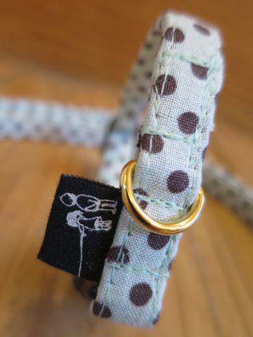 フントヒュッテオリジナルカラーリードリーシュハーネス東京hundehutte駒込かわいい首輪犬グッズ都内生地ファブリック小さい水玉模様ミニポルカドット Mini Polka Dot_3.jpg