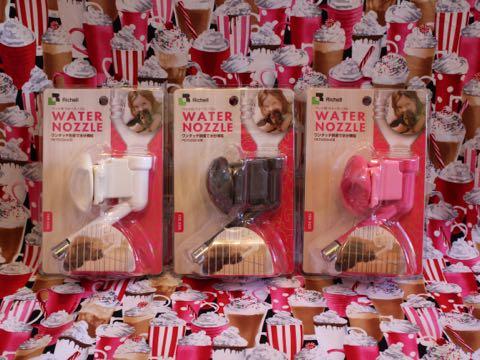 Richellリッチェルウォーターノズル犬食事関連給水器給水用品ケージやサークルに取り付けて、ペットボトルで簡単水分補給ウォーターノズル画像カラーサイズ_1.jpg
