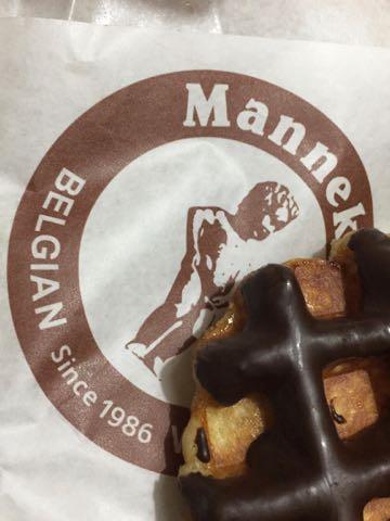 マネケン ワッフル ベルギーワッフル 画像 味 評判 店 チョコレートワッフル 5月限定 チョコバナナワッフル クリームワッフル 1