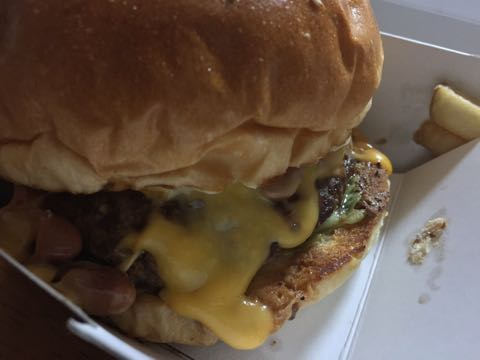 FIRE HOUSE 本郷3丁目 ファイアーハウス 本格的なアメリカンハンバーガー チリチーズバーガー 画像 ファイヤーハウス 場所 電話番号 アクセス 行き方 デリバリー 1.jpg