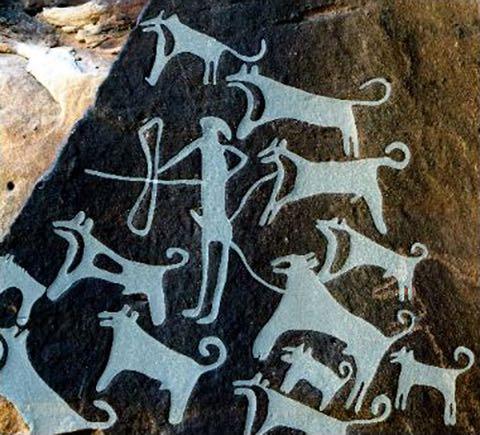 8000年以上、仲良いワン 最古の「飼い犬」の壁画?発見_3