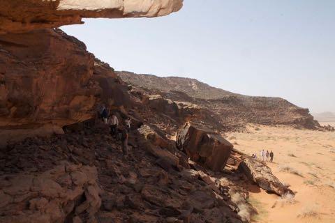最古の犬の絵か? 狩りやペットの歴史にも一石 サウジアラビアで発見、紀元前5000〜紀元前8000年とも_3