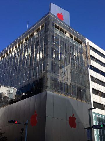 AirPods ワイヤレス ヘッドフォン 画像 アップルストア銀座 リンゴマークが赤に Apple Store RED 12月1日 世界エイズデー 9