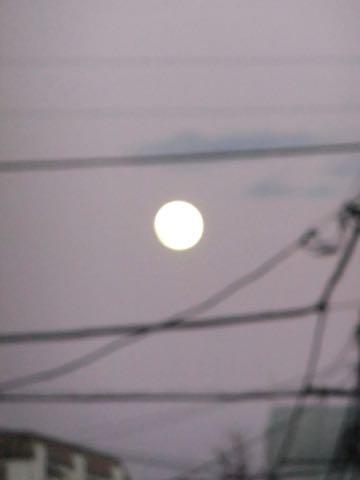 スーパームーン 2018 年明け早々の1月2日の満月は2018年で最も大きく見える満月 画像 2