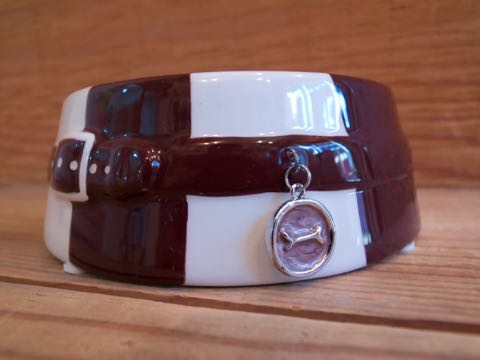 DOGUE ドーグ オーストラリアにあるセレブリティ御用達のブティックペットショップ発のブランド STRIPED DOG BOWL CHOCO 犬用食器 ドッグフードボウル _ 2.jpg