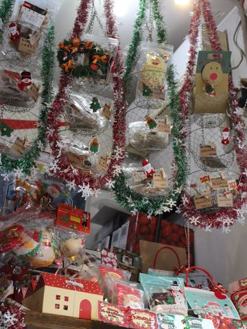 クリスマスディスプレイ2018年クリスマス飾り店内フントヒュッテ東京トリミングサロンストアディスプレイ店舗用品クリスマスシーズン画像_2.jpg