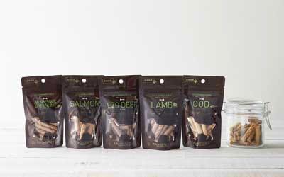 わんのはな 無添加 オーガニック 食品 ケア用品 企画販売 愛犬 エコロジカルドッグライフ 化学合成添加物を可能な限り使用しない商品 ヒューマンレベル原料 フントヒュッテ わんのはな 熊笹ショートスティック 1.jpg