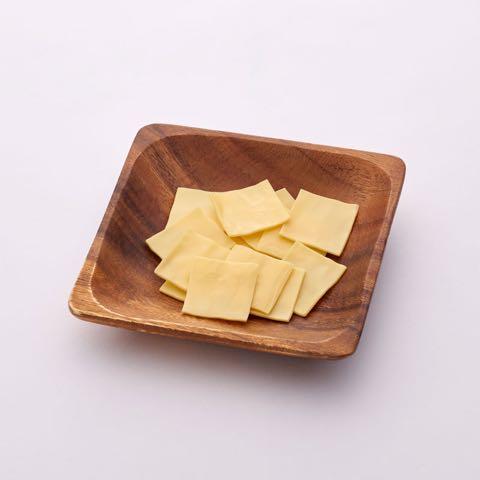 わんのはな 無添加 オーガニック 食品 ケア用品 企画販売 愛犬 エコロジカルドッグライフ 化学合成添加物を可能な限り使用しない商品 ヒューマンレベル原料 フントヒュッテ わんのはな 薄切りパリッとチーズ 2.jpg