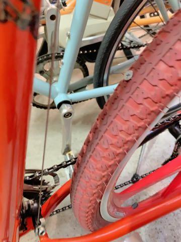 ゲイリー・フィッシャー ゲイリーフィッシャー Gary Fisher ゲイリー・クリストファー・フィッシャー Gary Christopher Fisher 自転車 マウンテンバイク USA製 MADE IN USA アメリカ製 自転車に釘 タイヤ 3.jpg