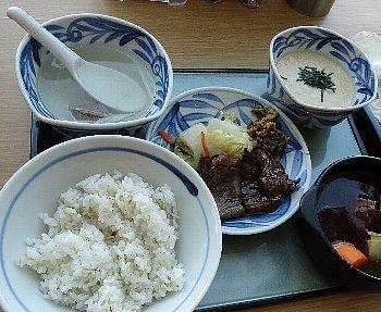 牛たんと和牛焼き+ハーフシチューランチ