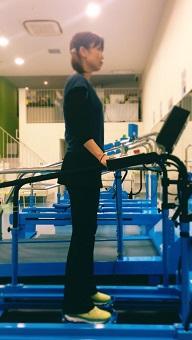 すり足動作型マシン すり足マシン 大腰筋 腸骨筋 腸腰筋トレーニング スポーツ リハビリ