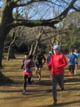 マラソントレーニング フォーム qomジム 小林寛道 qomスポーツ 体幹トレーニング