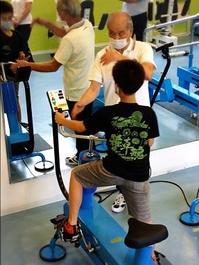 とつぼジム 体幹トレーニング 軸トレ 重心移動 ゴルフ サッカー ラグビー 野球 陸上 認知動作型トレーニング
