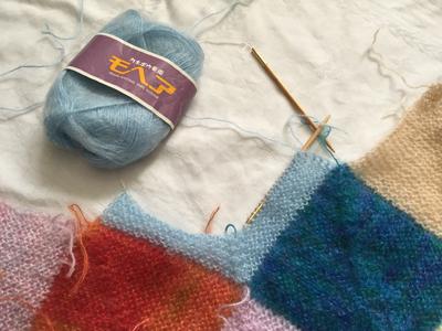 ドミノ編みで膝掛け製作