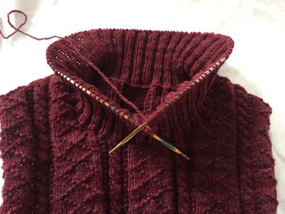 襟を編んでいます