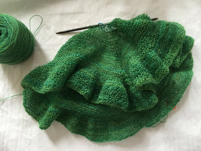 現在の編み物件その2