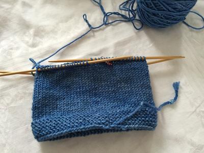 帽子も編む