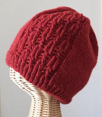 フィンランドの手染め糸で編んだ帽子