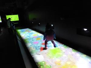 千歳アウトレットモールレラ未来の遊園地チームラボ