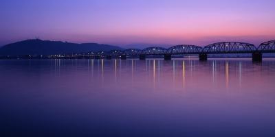 吉野川橋と眉山