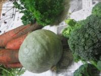 これも頂きました。お母さんのこだわりの野菜たちです