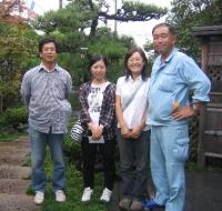 向かって左から 伊澤代表 樅木さん 吉田さん 主人