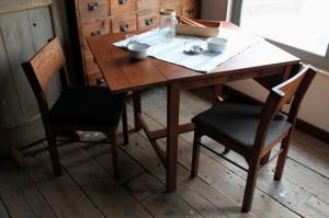 折りたたみテーブル かわいい
