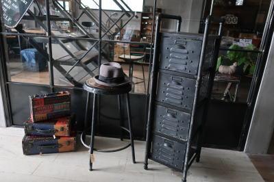 ブラック家具