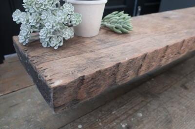 古材の棚板
