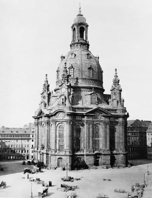 Dresden_Frauenkirche_1880.jpg