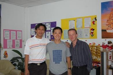 左からゴフ、デビッド、ジェームス