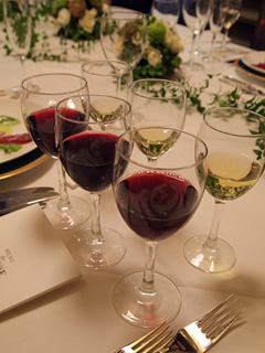赤ワインと白ワイン