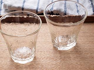 安土草多(あづちそうた)さんの八角グラス