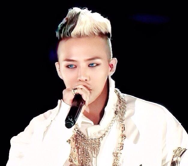 ジヨンの青い目