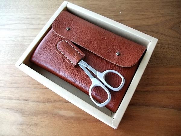 sewingpoach01.jpg