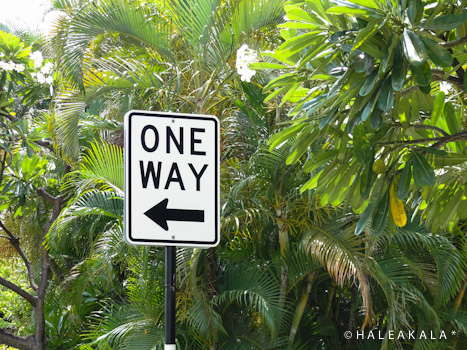ONE  WAY。