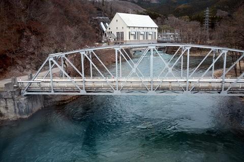田沢湖近くの川