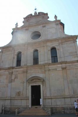 サン マウリツィオ教会と考古学博物館